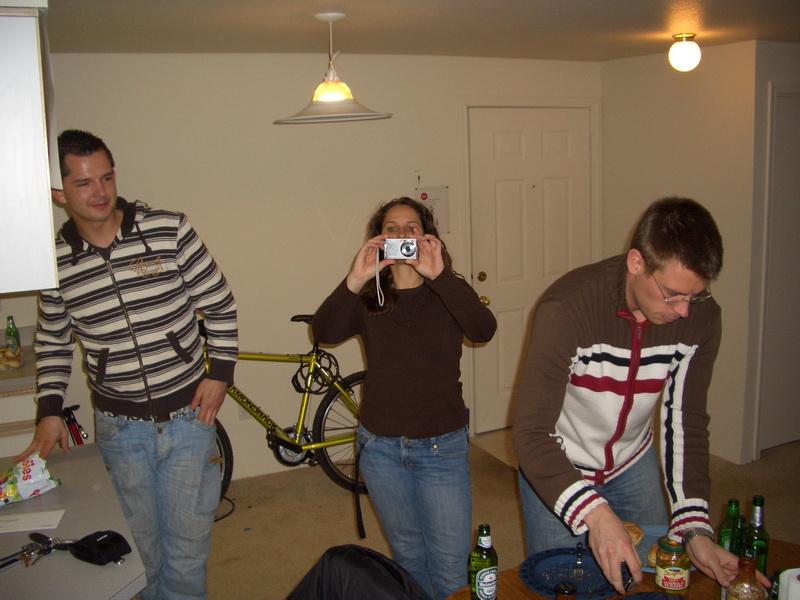v.l.: Roland, Sandra und Michael. Wir haben einen kleinen Grillabend veranstaltet.